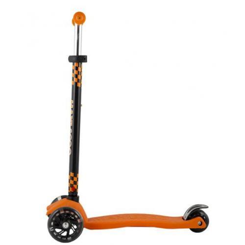 Самокат трехколесный Junior, со светящейся колесами, цвет оранжевый (2021)