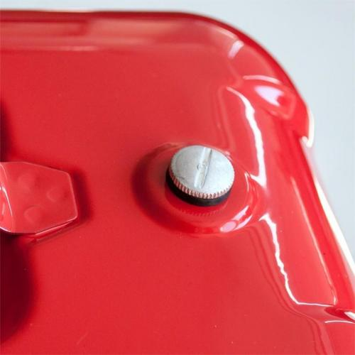 Канистра топливная металлическая AVS HJM-05, горизонтальная, цвет красный, 5 л